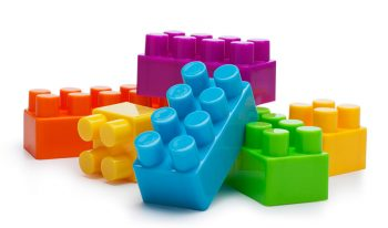 play building bricks